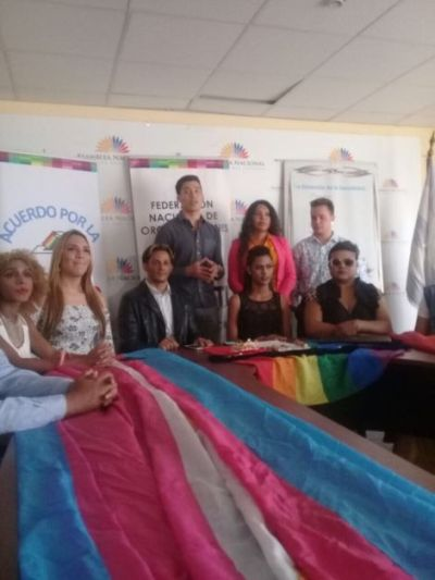 Acto Inaugural y sesión Solemne del Orgullo Guayaquil 2017 - Gay Pride Ecuador 10