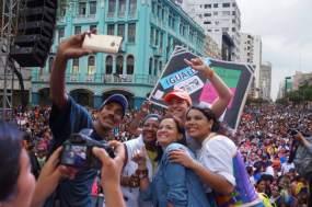 Diane Rodriguez y Marcela Aguinaga en el orgullo gay lgbt glbti 2016 guayaquil guayas ecuador (2)