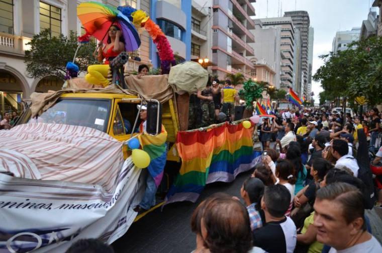 Orgullo gay guayaquil 2014 - autoriza el desfile marcha