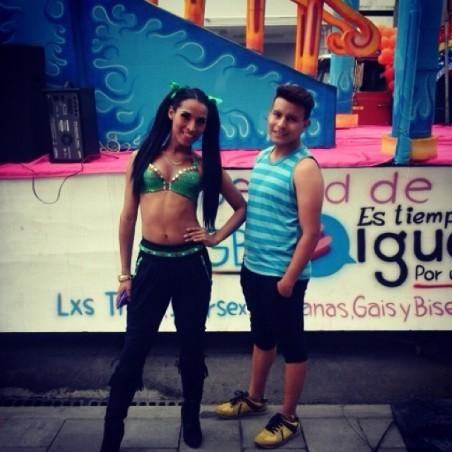 Preparativos del Orgullo Guayaquil pride gay 2014 Asociación Silueta X - Tiempo de Igualdad (7)