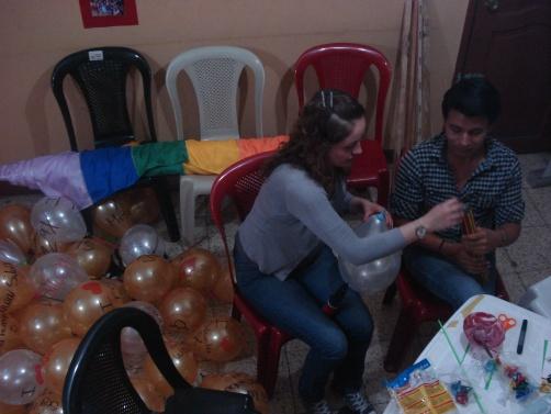Preparativos del Orgullo Pride gay Guayaquil - Ecuador 2012 (3)