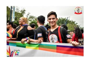 Orgullo Guayaquil - Orgullo gay LGBT Ronald de Silueta X